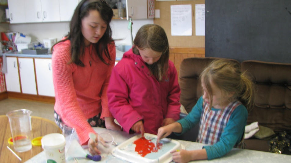 Tamariki School: Science. Children of all different ages can work together.