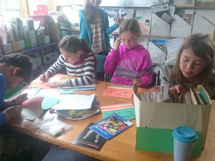 Tamariki School: Writing with friends.